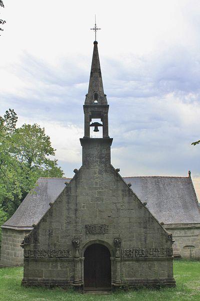 Photo du Monument Historique Chapelle Notre-Dame-de-Manéguen et fontaine situé à Guénin