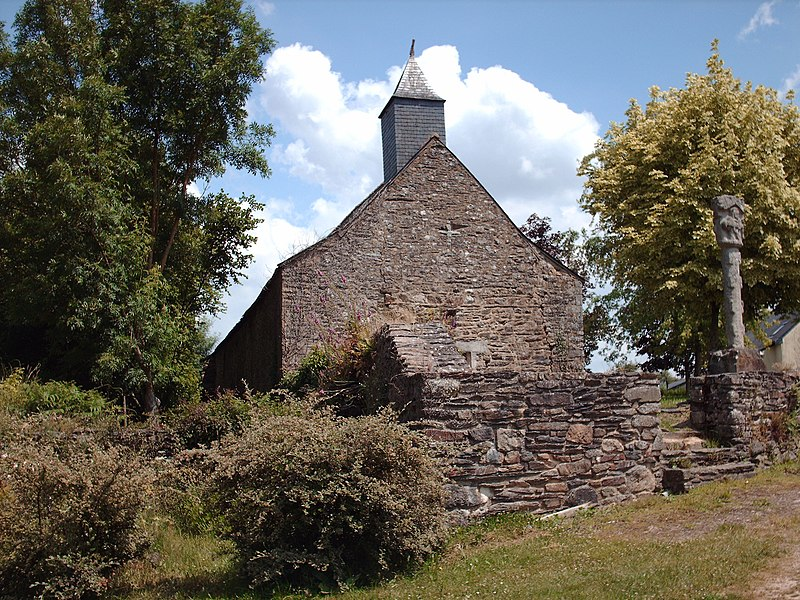 Photo du Monument Historique Croix située devant la chapelle Saint-Nicolas situé à Guer