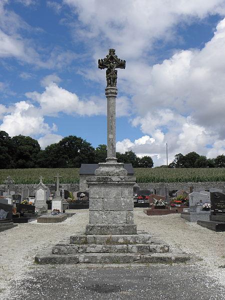 Photo du Monument Historique Cimetière situé à Guern