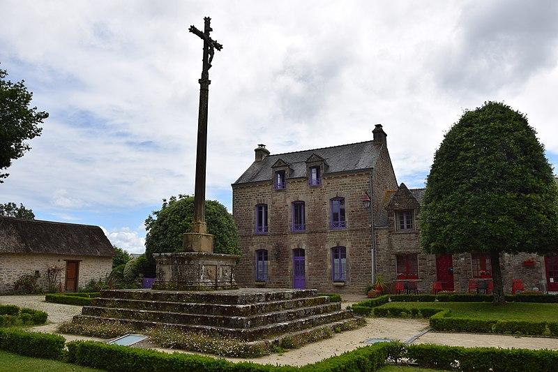 Photo du Monument Historique Cimetière situé à Le Guerno