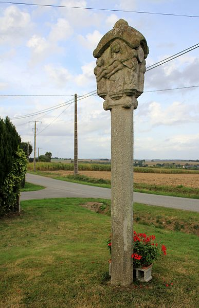 Photo du Monument Historique Croix de Penlan situé à Helléan