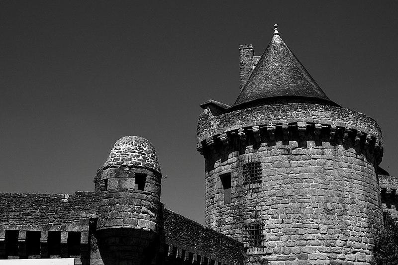 Photo du Monument Historique Remparts situé à Hennebont