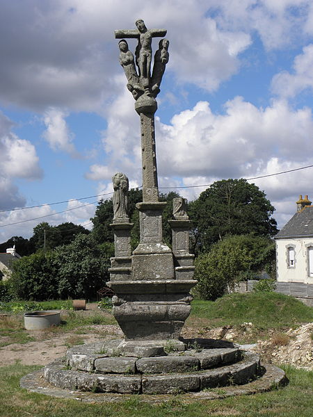 Photo du Monument Historique Calvaire de la croix de Lochrist situé à Inguiniel