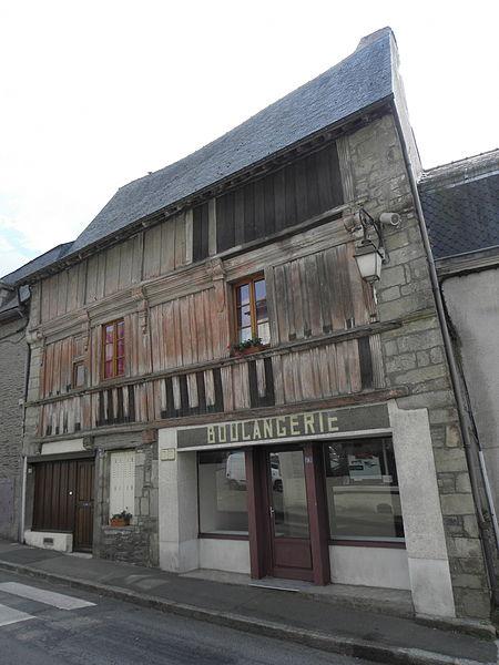 Photo du Monument Historique Maison datée de 1602 situé à Josselin