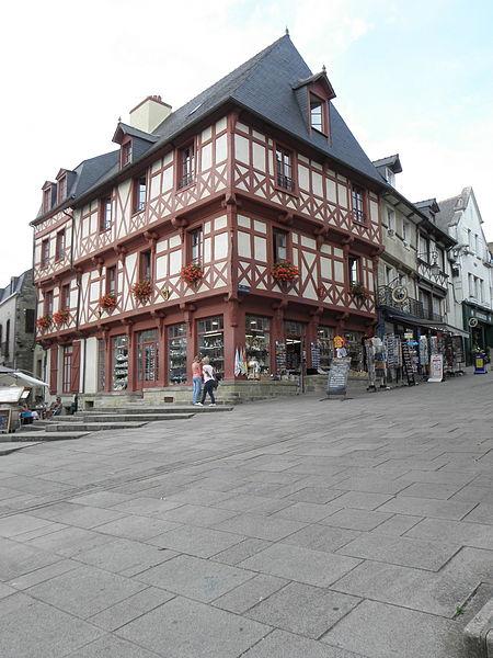 Photo du Monument Historique Maison du 15e siècle situé à Josselin