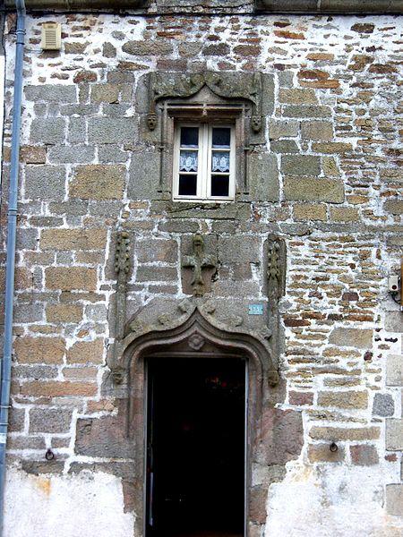 Photo du Monument Historique Maison du 15e siècle situé à Languidic