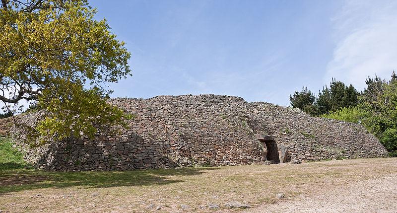 Photo du Monument Historique Tumulus-dolmen de l'île Gavrinis situé à Larmor-Baden