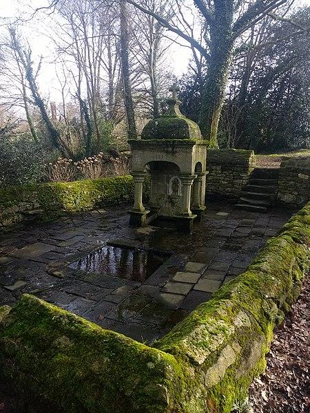 Photo du Monument Historique Fontaine Saint-Clair situé à Limerzel