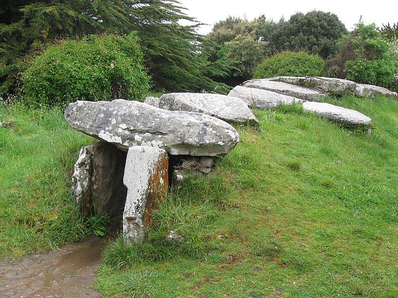 Photo du Monument Historique Dolmen du Mané-Rutual situé à Locmariaquer