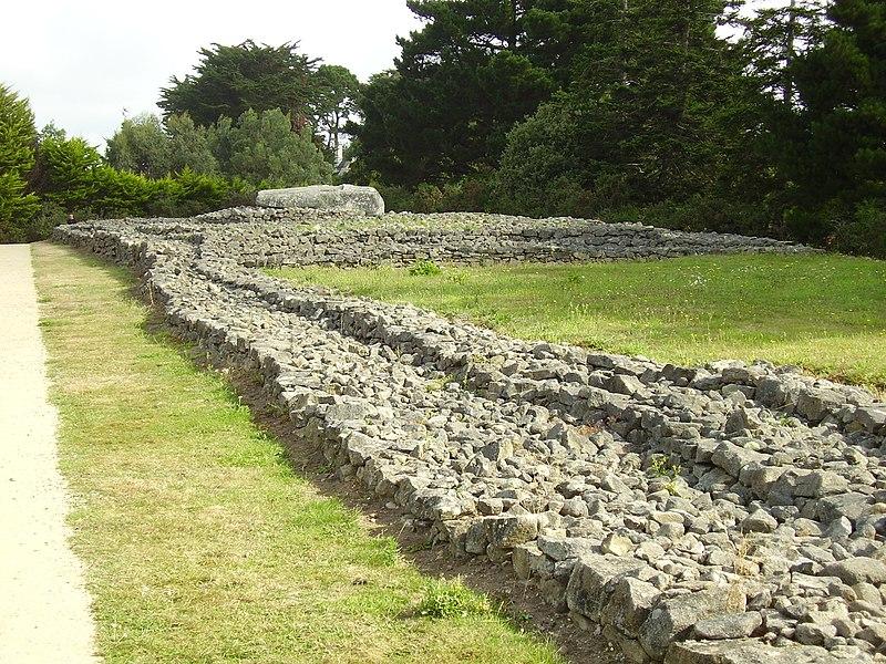 Photo du Monument Historique Tumulus situé à Locmariaquer