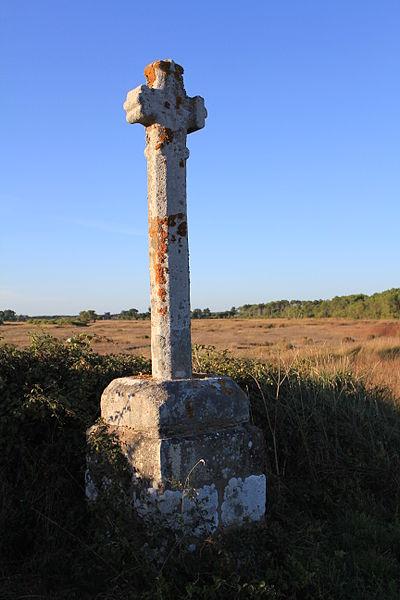 Photo du Monument Historique Croix de Pen-er-Pont, sur l'isthme de Locoal situé à Locoal-Mendon