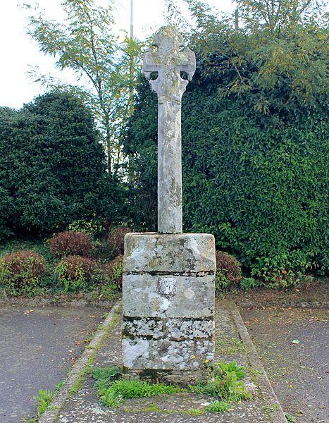 Photo du Monument Historique Croix du chemin de Coëtcandec situé à Locqueltas
