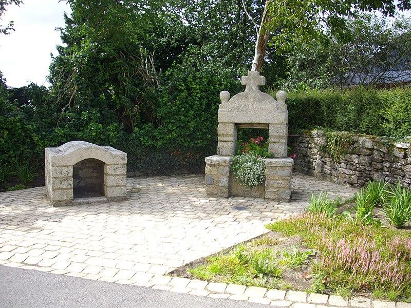 Photo du Monument Historique Presbytère situé à Locqueltas