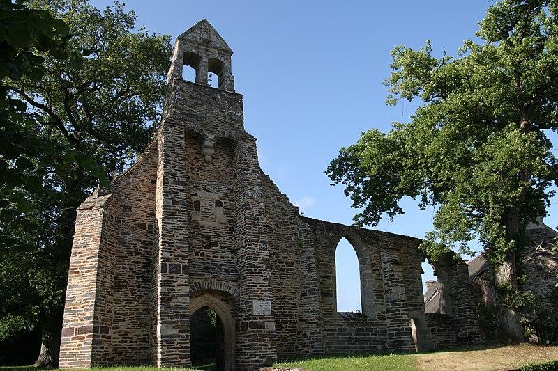 Photo du Monument Historique Ruines de la chapelle de la Madeleine situé à Malestroit