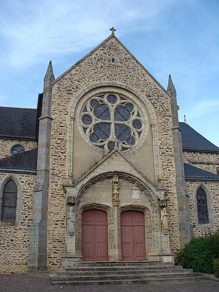 Photo du Monument Historique Eglise Saint-Pierre situé à Mauron