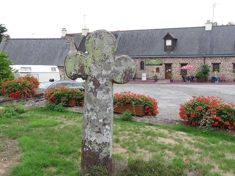 Photo du Monument Historique Cimetière situé à Monteneuf