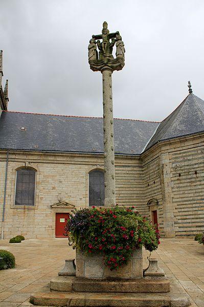 Photo du Monument Historique Eglise Saint-Cyr situé à Moréac