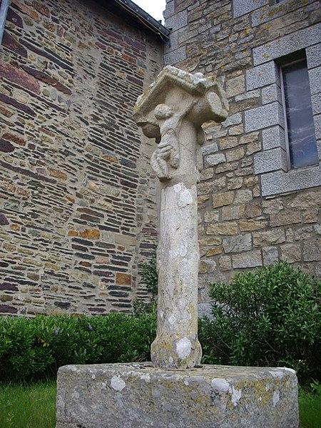 Photo du Monument Historique Croix du 16e siècle situé à Néant-sur-Yvel