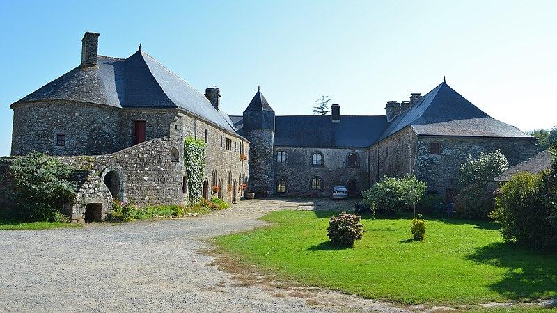 Photo du Monument Historique Ancien doyenné situé à Péaule