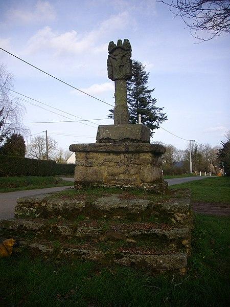 Photo du Monument Historique Croix du 16e siècle situé à Plaudren