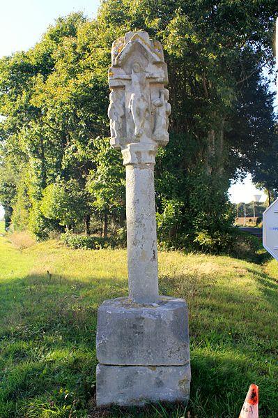 Photo du Monument Historique Croix de Landoma situé à Pleugriffet