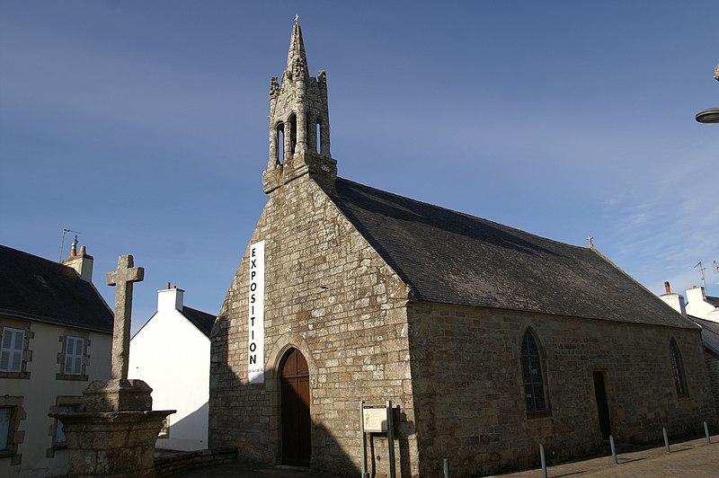 Photo du Monument Historique Chapelle Sainte-Anne et son calvaire situé à Ploemeur