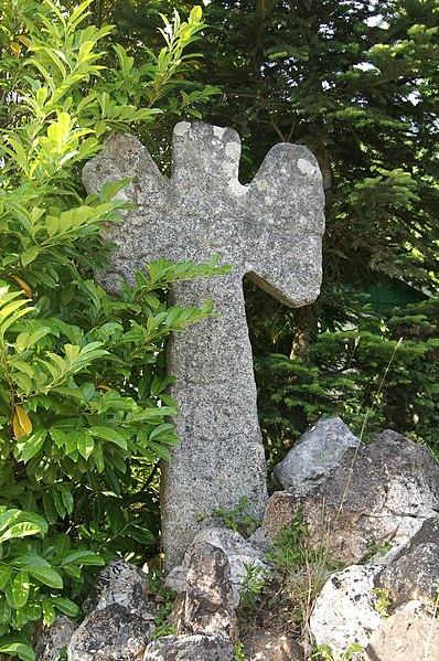 Photo du Monument Historique Croix de chemin en granit situé à Ploemeur