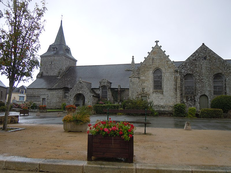 Photo du Monument Historique Eglise Saint-Pierre situé à Ploërdut