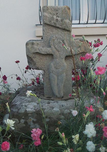 Photo du Monument Historique Croix dite Croix aux Morts situé à Ploërmel