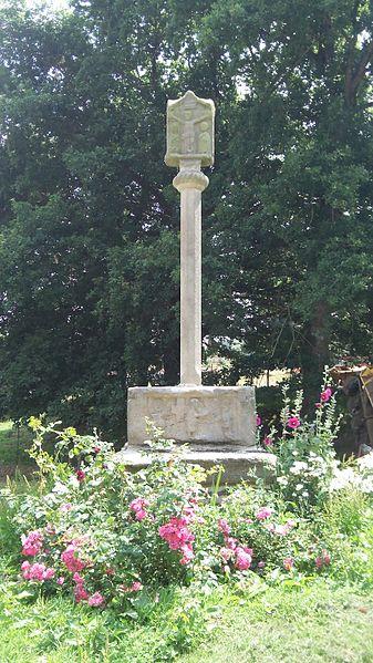 Photo du Monument Historique Croix de Roblin situé à Ploërmel
