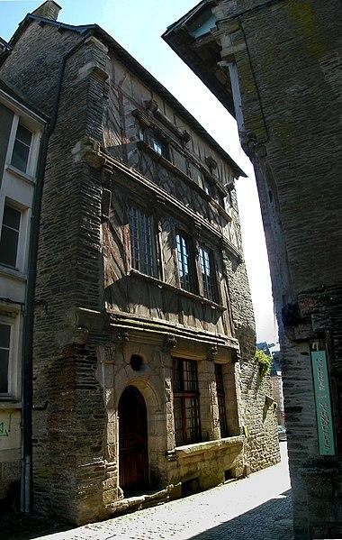Photo du Monument Historique Ancien hôtel des Ducs de Bretagne situé à Ploërmel