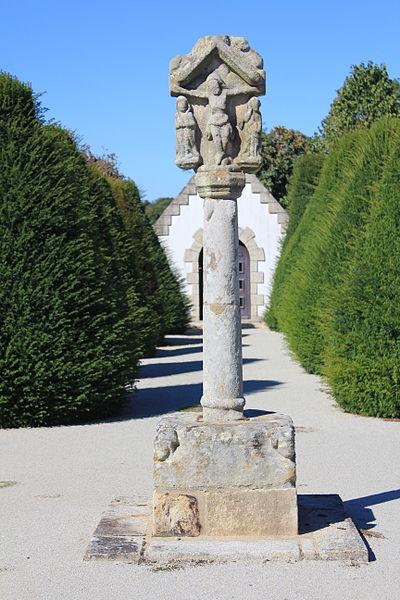 Photo du Monument Historique Croix du 17e siècle situé à Plumergat