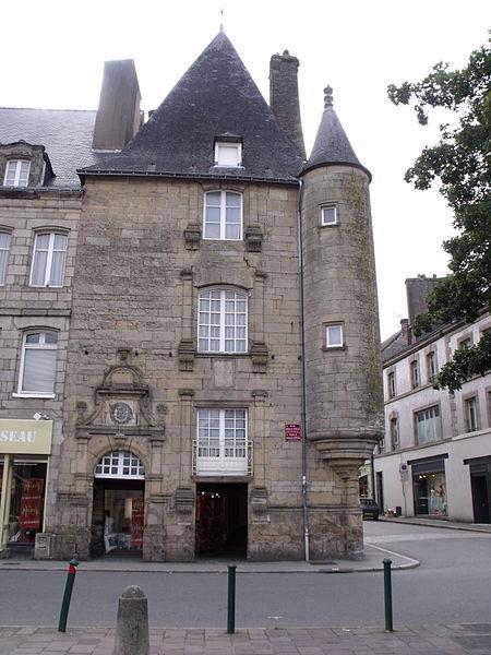 Photo du Monument Historique Maison du 16e siècle dite rendez-vous de chasse des Rohan situé à Pontivy
