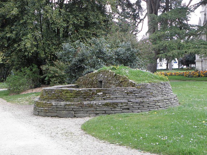 Photo du Monument Historique Sépulture circulaire de l'âge du fer situé à Pontivy