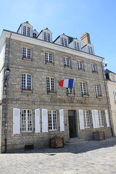 Photo du Monument Historique Maison, actuellement mairie situé à Port-Louis