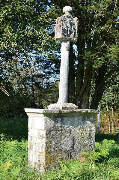 Photo du Monument Historique Croix du Congo situé à Questembert
