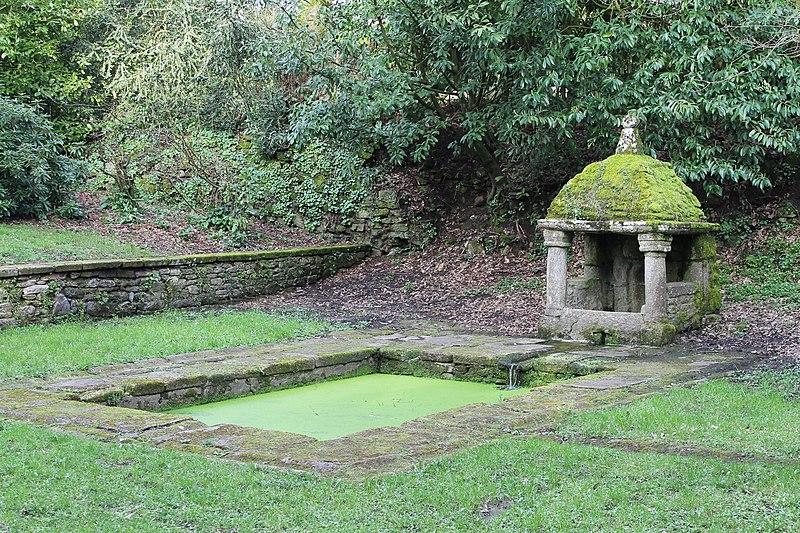 Photo du Monument Historique Fontaine de Bréhardec situé à Questembert