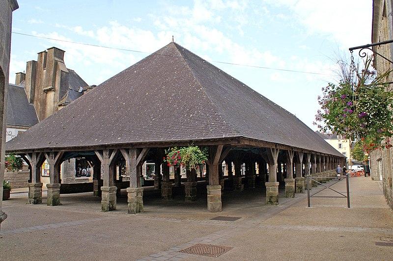 Photo du Monument Historique Vieilles halles situé à Questembert