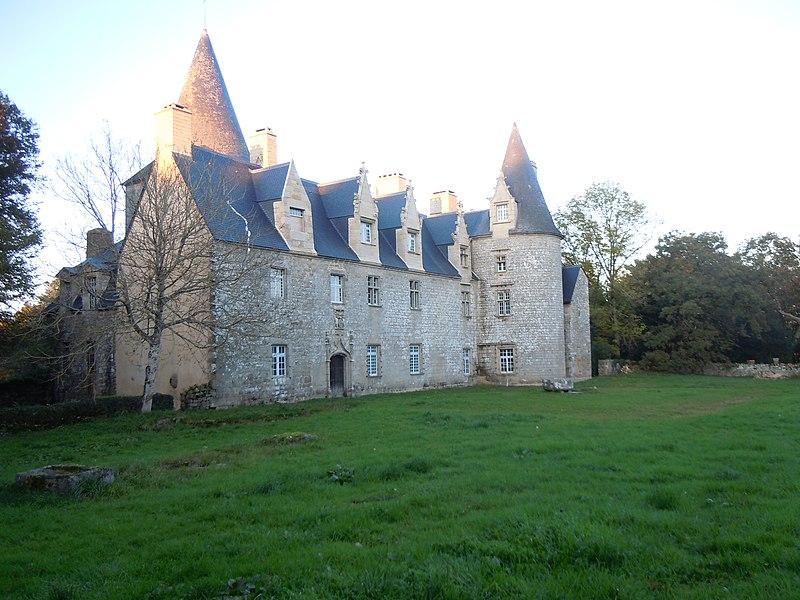 Photo du Monument Historique Château de la Villeneuve-Jacquelot situé à Quistinic