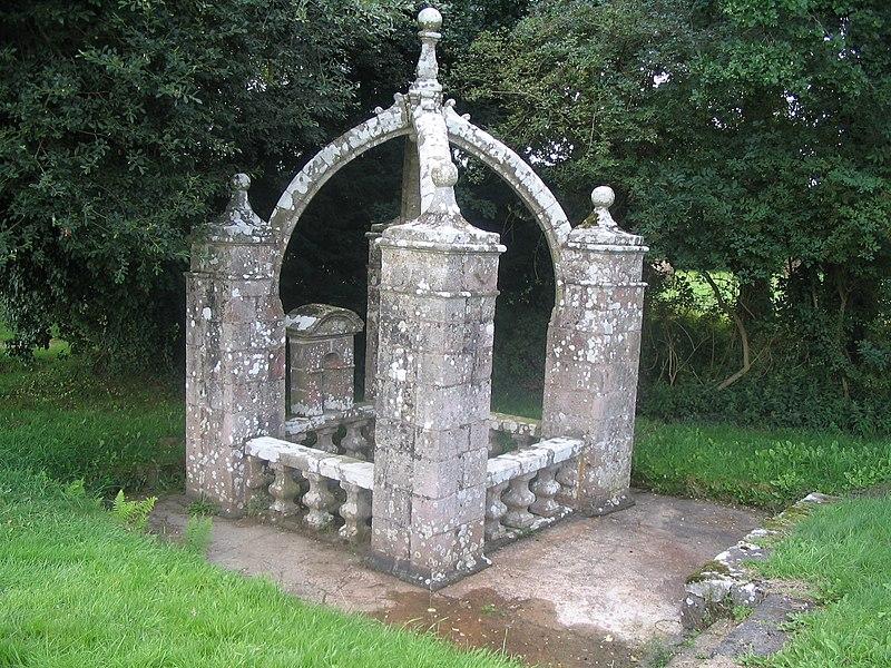 Photo du Monument Historique Fontaine Saint-Fiacre situé à Radenac