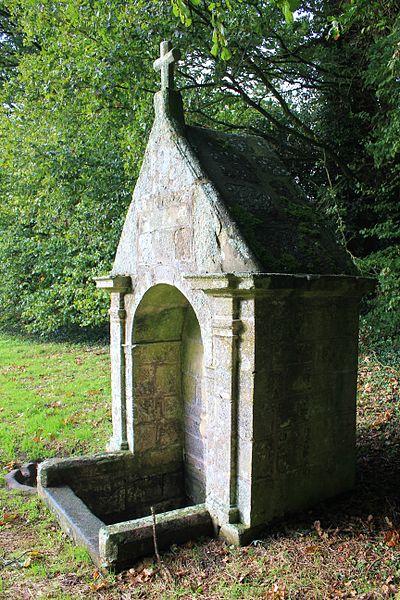 Photo du Monument Historique Fontaine Saint-Clair situé à Réguiny