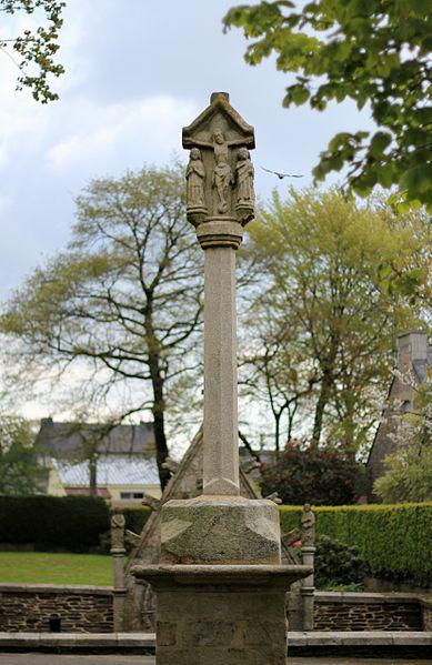 Photo du Monument Historique Croix du 17e siècle situé à Remungol