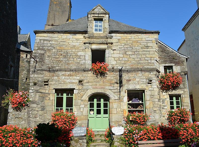 Photo du Monument Historique Maison datée de 1666 situé à Rochefort-en-Terre