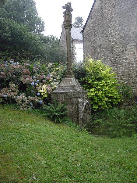 Photo du Monument Historique Fontaine Saint-Adrien avec son calvaire situé à Saint-Barthélemy