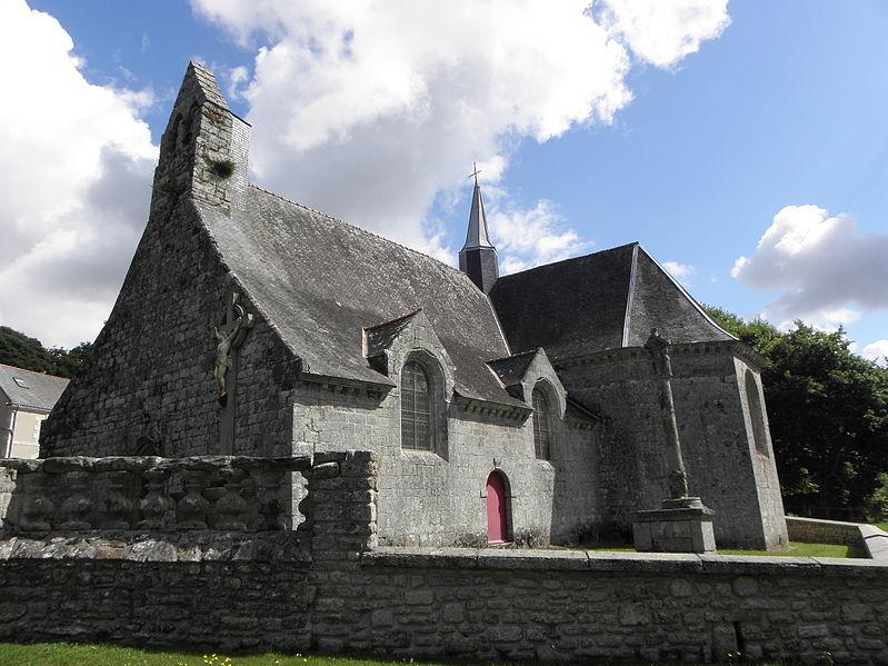 Photo du Monument Historique Cimetière situé à Saint-Caradec-Trégomel