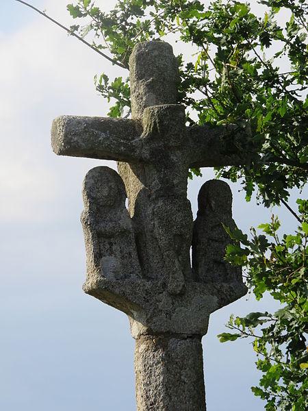 Photo du Monument Historique Croix de carrefour du 16e siècle situé à Saint-Gonnery