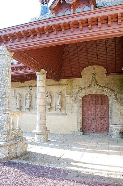 Photo du Monument Historique Eglise Saint-Léry situé à Saint-Léry
