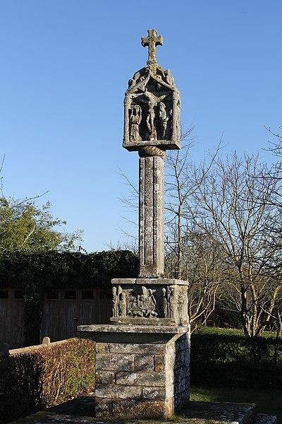 Photo du Monument Historique Croix du 16e siècle situé à Saint-Nolff