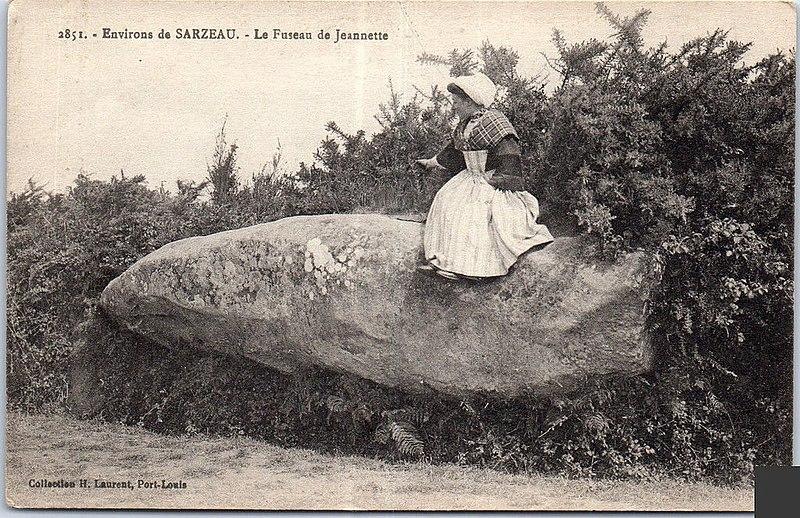 Photo du Monument Historique Menhir, dit Fuseau ou Quenouille de Jeannette situé à Sarzeau