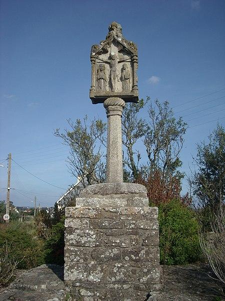 Photo du Monument Historique Croix de Montsarrac situé à Séné